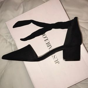 JustFab Shoes - Black point heels -size 7
